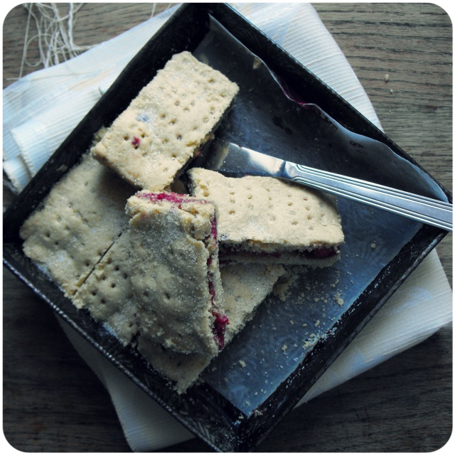 raspberry shortbread vegan