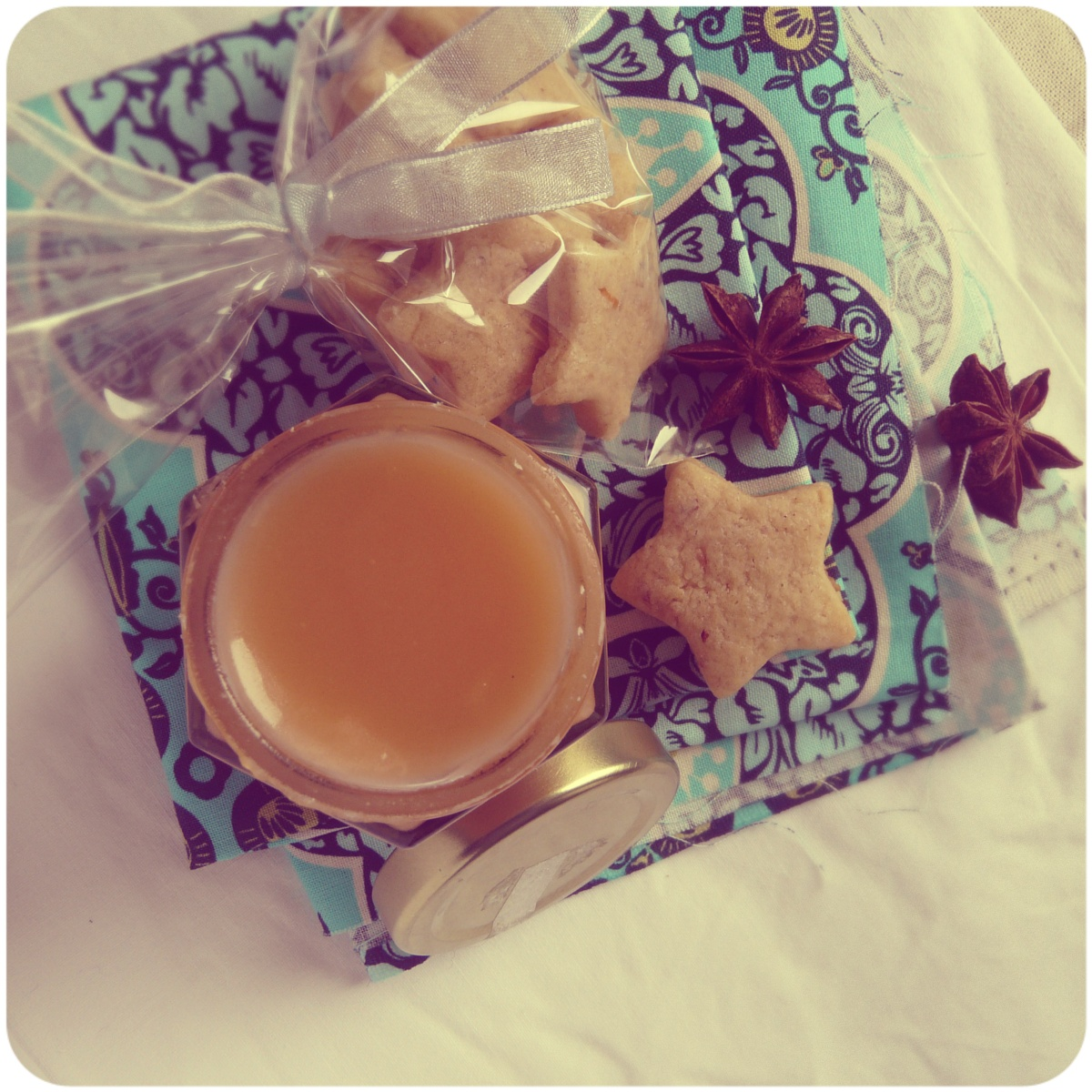 Grapefruit and star anise mini sugar cookies with ...