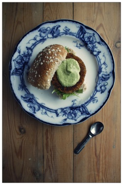 quiona burgers with avocado aioli vegan