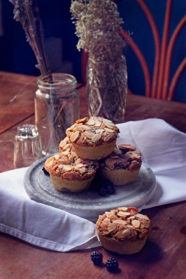 vegan blackeberry bakewells tarts bakewell